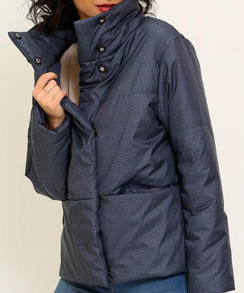 чистим женскую куртку утепленной на синтепоне