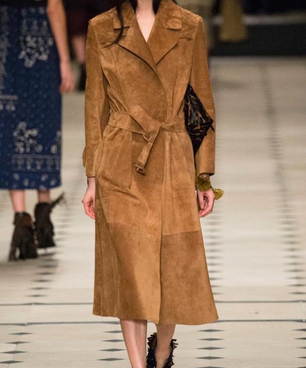 химчистка женского пальто из замши от 100 см
