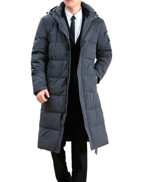 Удаление пятен с мужского пуховика-пальто