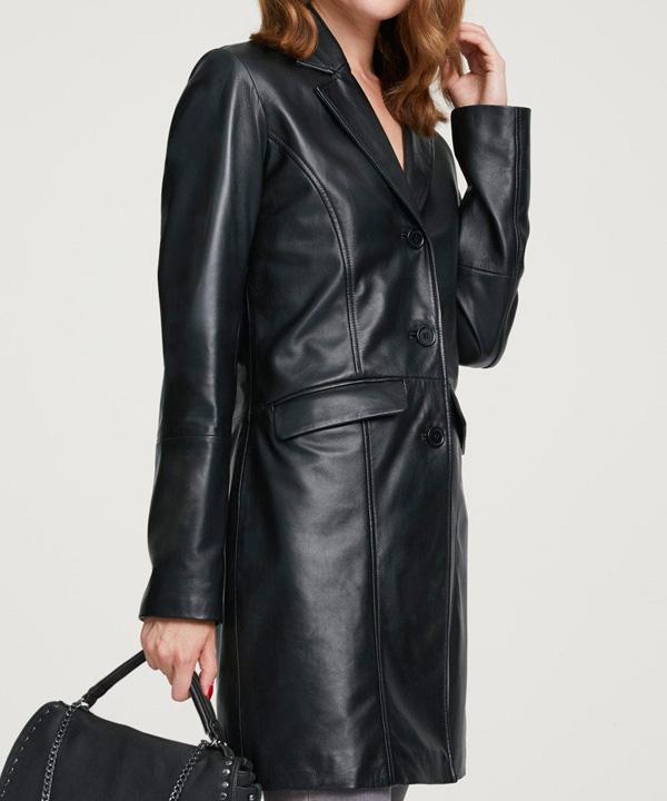 Удаление пятен с кожаного женского пальто до 100 см