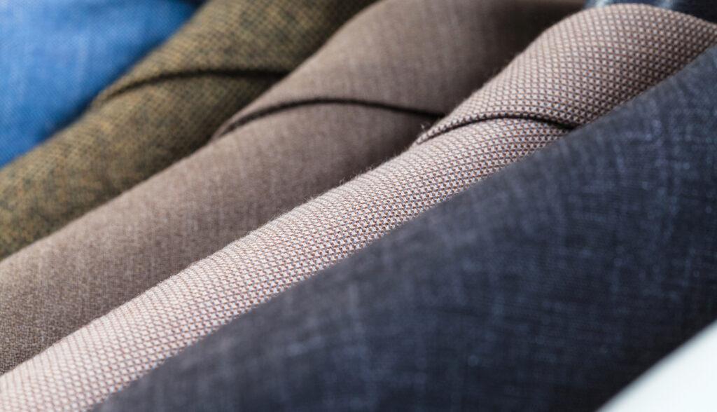 чистка шерстяных кашемировых костюмов