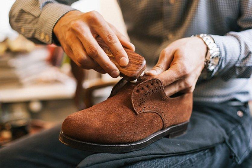 chistka zamshevoj obuvi