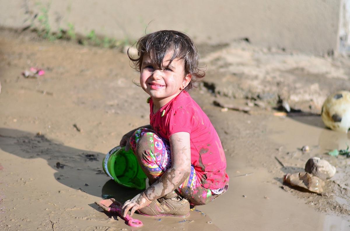химчистка деткой одежды для девочки